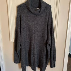 Basic/Bisique from H&M Gray Long Sleeve
